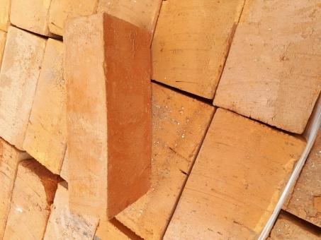 Backstein,Hintermauerziegel Maße ca. 25 x 12 x 6/6,5 cm, 1 Palette= 300 Stück
